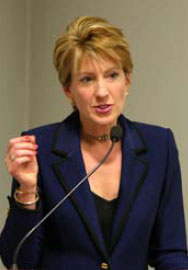 Carly Fiorina: downplayed gender issues